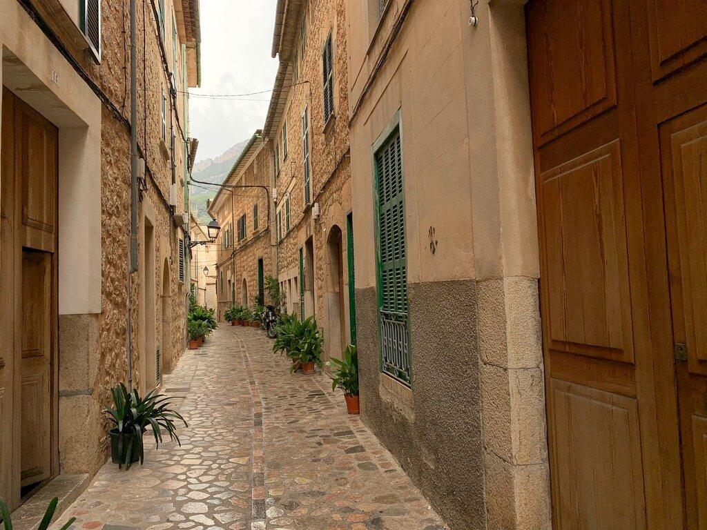 Una de las calles más bonitas de Sòller