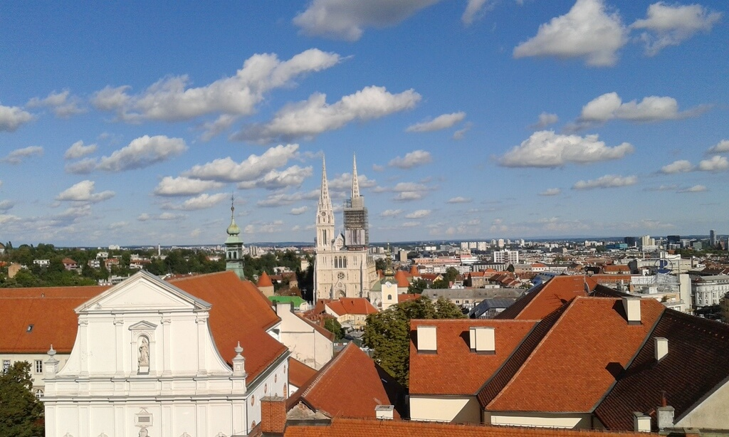 La Catedral de Zagreb desde la Torre Lotrscak
