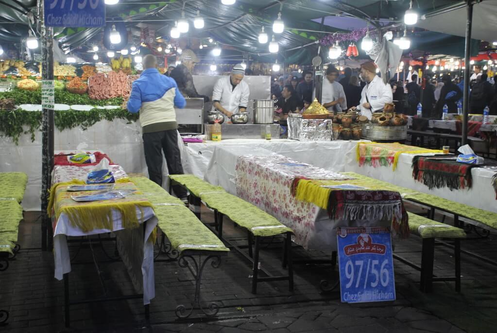 Puestos de comida callejera en Jemma el Fna, Marrakech
