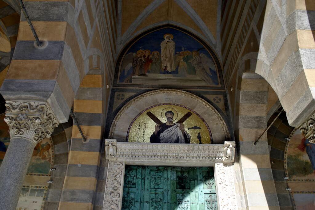 Entrada principal a la catedral