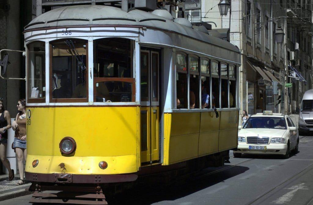 dónde escuchar fado en Lisboa