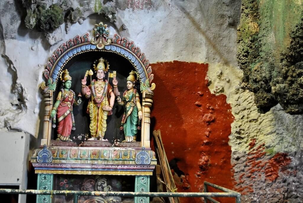 Altar con deidades