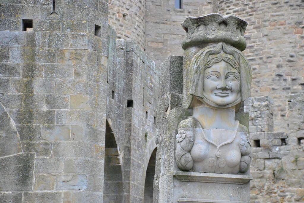 La Dama Carcas a la entrada de la Porte Narbonnaise