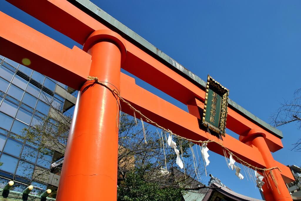Torii rojo en Templo Kanda Myojin
