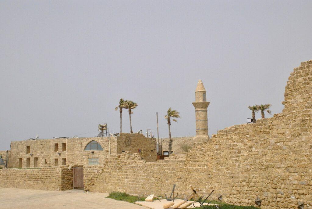 Murallas de la entrada norte
