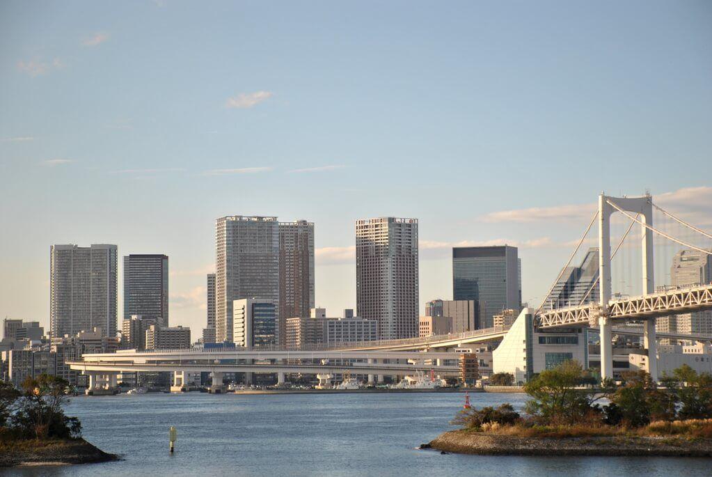 Bahía de Tokio desde el centro comercial Aqua City