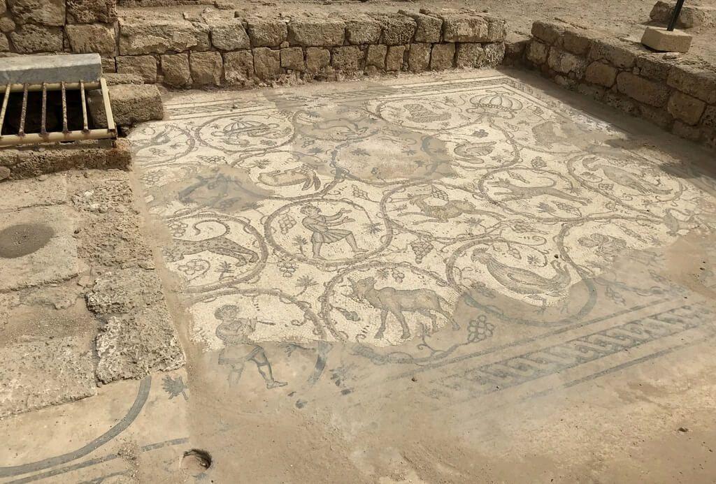 Mosaicos muy bien conservados en Cesarea