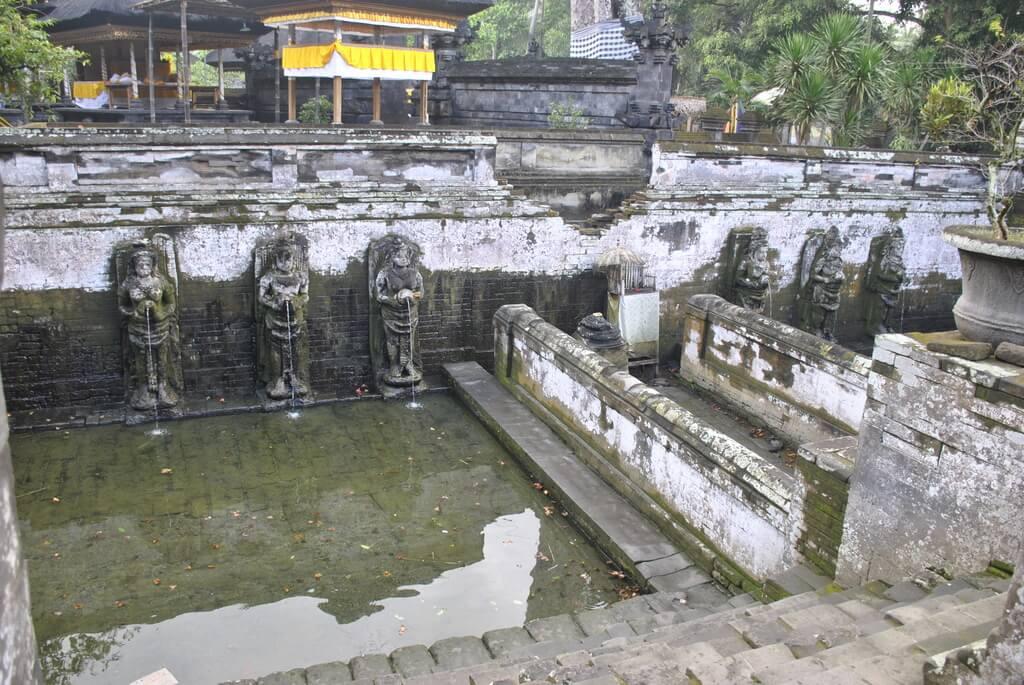 Fuente en Goa Gajah