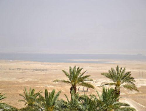 La experiencia de bañarse en el Mar Muerto