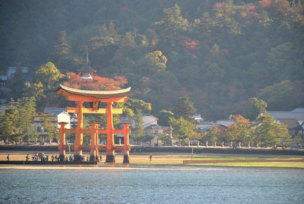Isla de Miyajima desde el ferry