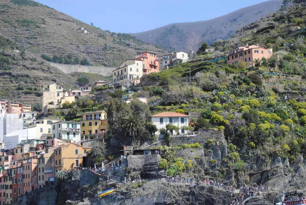 Pasarela de acceso a Riomaggiore cuando se llega por mar
