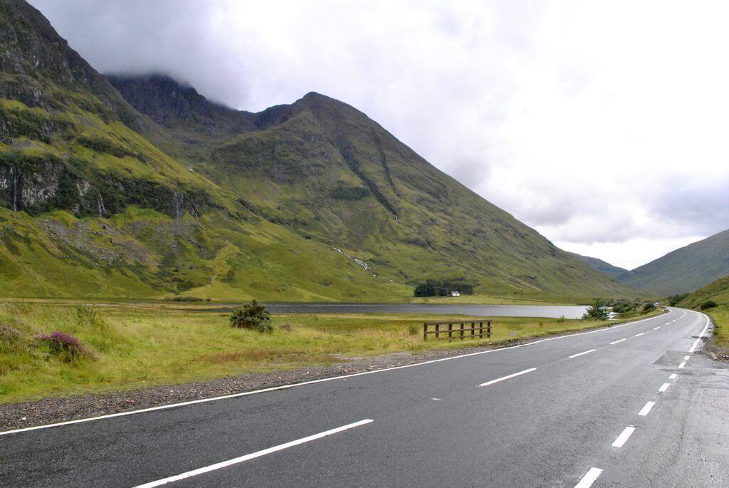 Conduciendo por el Valle de Glencoe