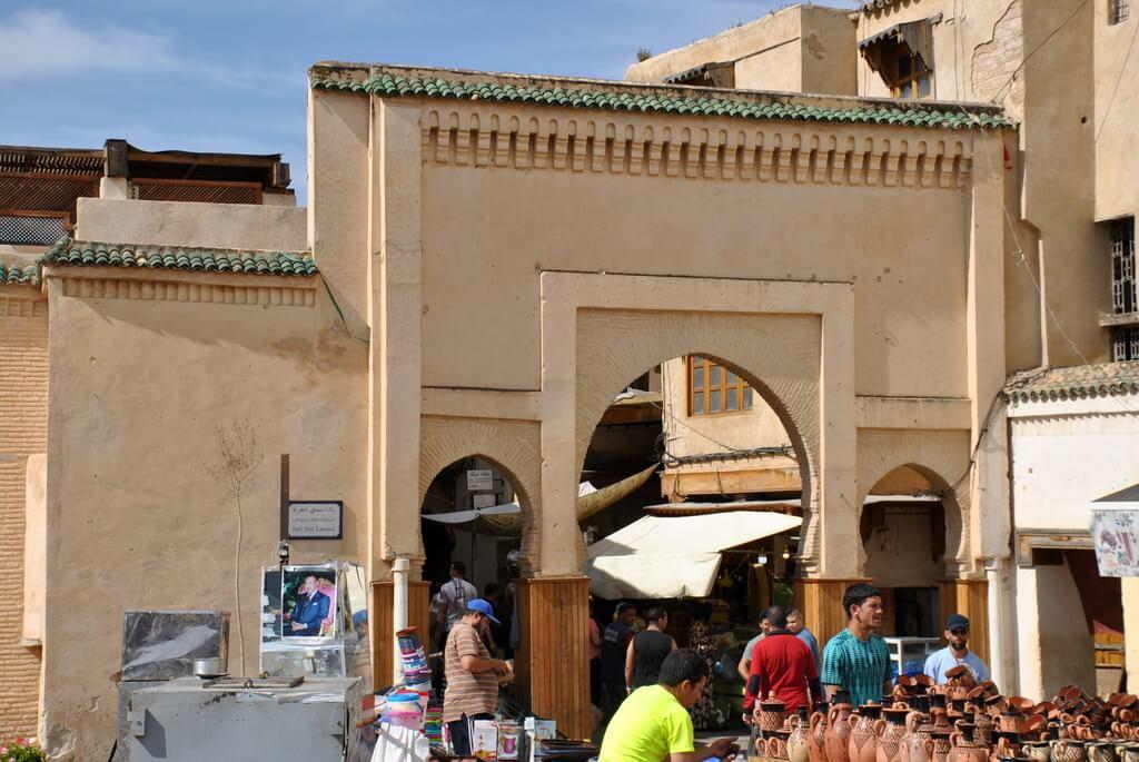 Puerta de entrada a la Plaza R´cif