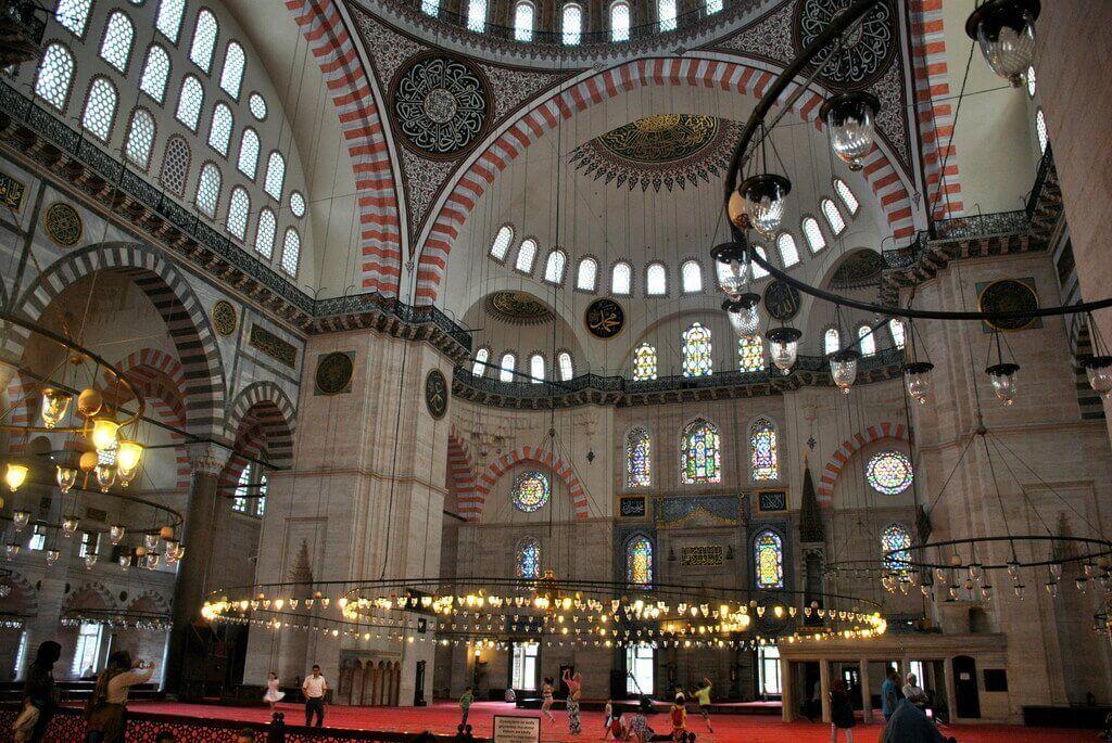 Interior mezquita de Solimán