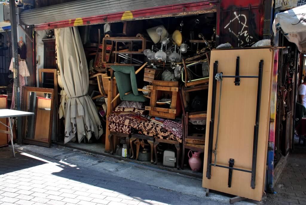 Venta de muebles usados en Platia Avissinias