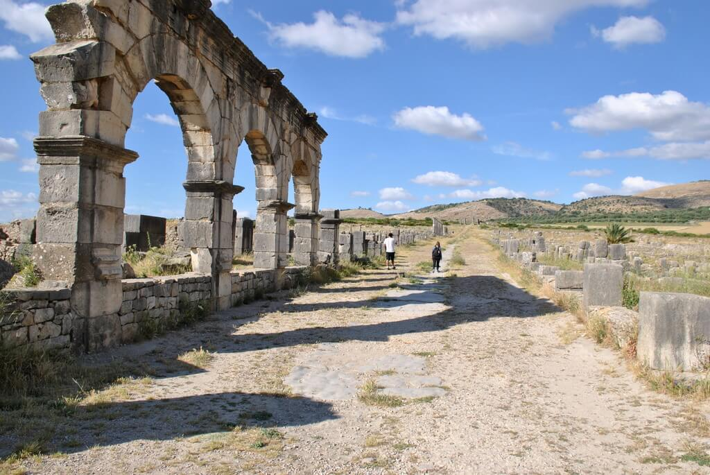 Ruinas del Palacio de Gordiano en la Decumanus maximus
