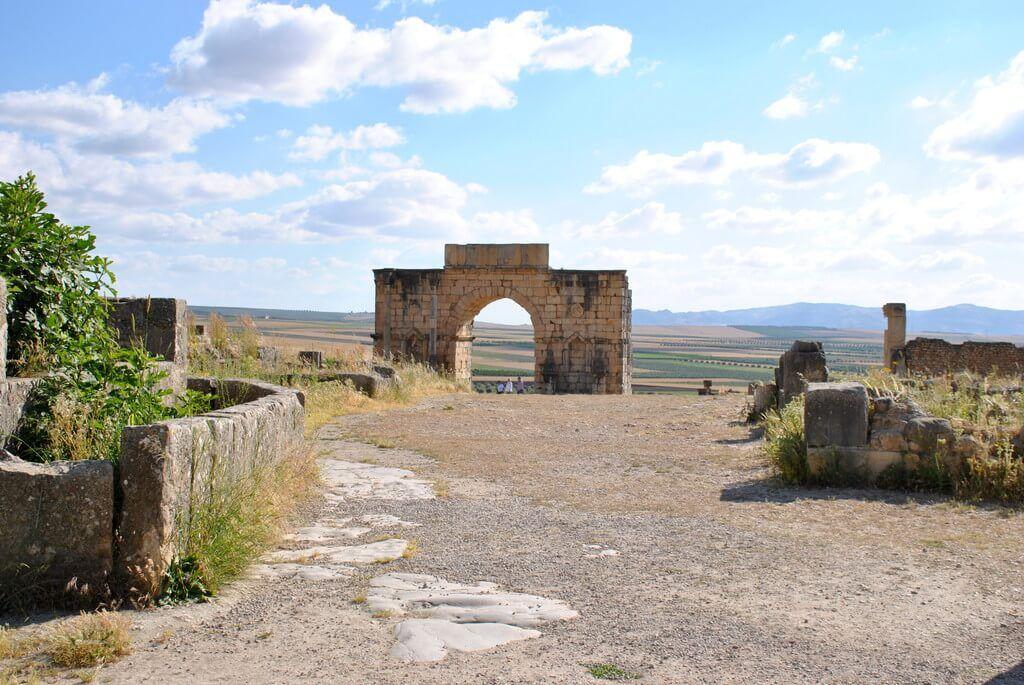 Puerta de Tingis, final de la Decumanus maximus