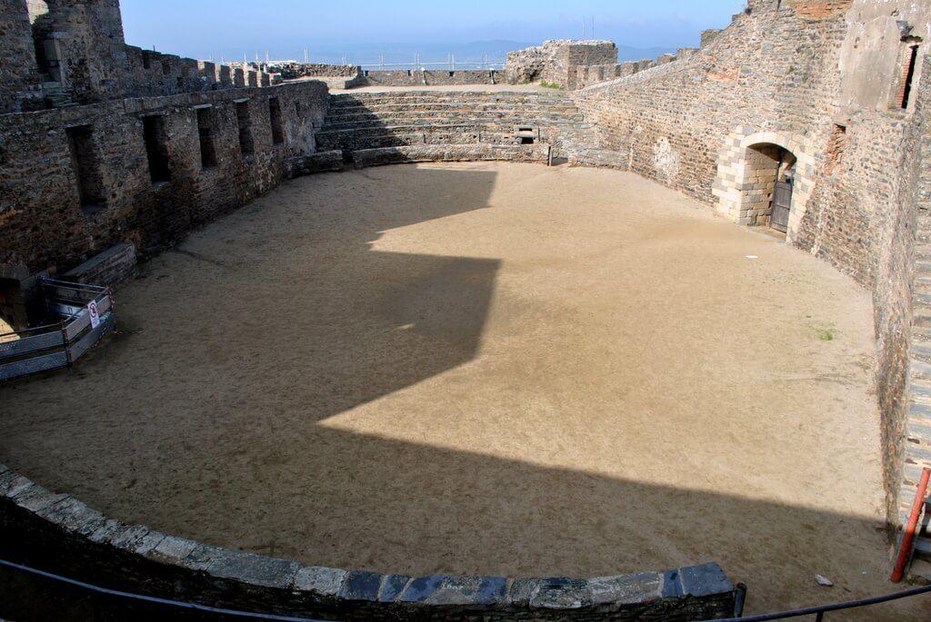 Patio interior del castillo