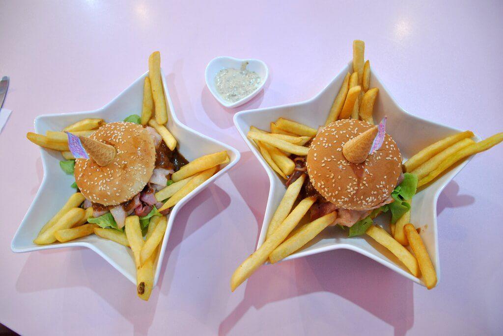 """Nuestras hamburguesas de """"unicornio"""""""