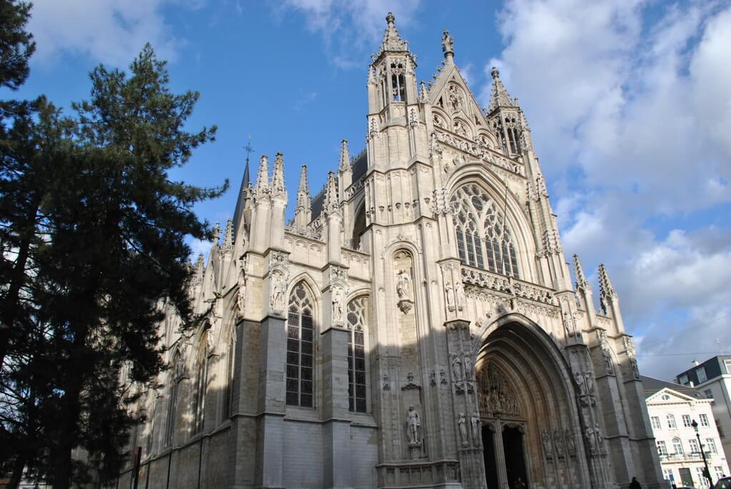 Fachada exterior Notre Dame du Sablon