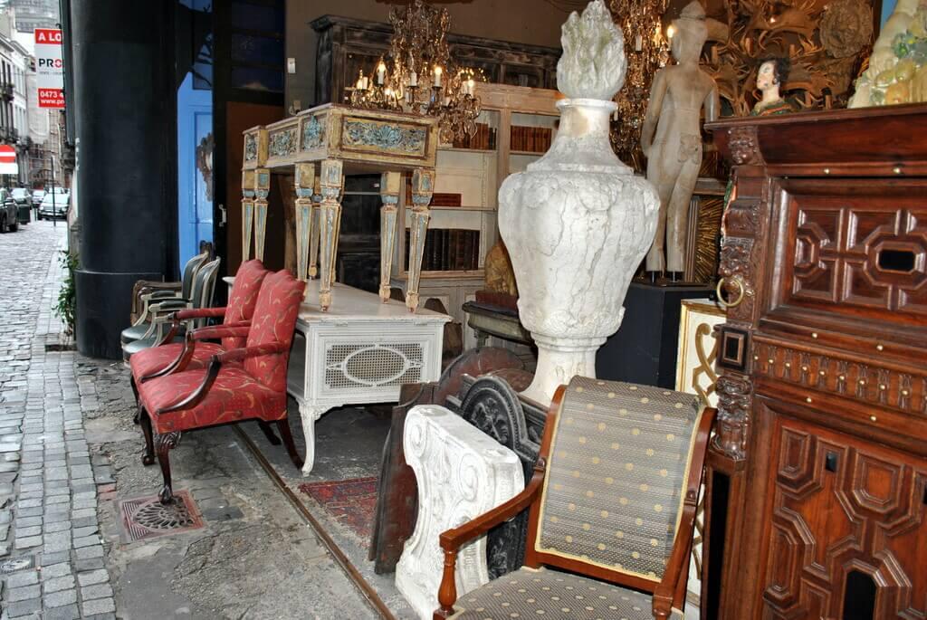 Tienda de antigüedades, Rue Haute