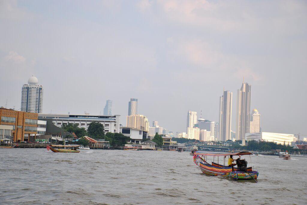 Navegando por el Chao Phraya