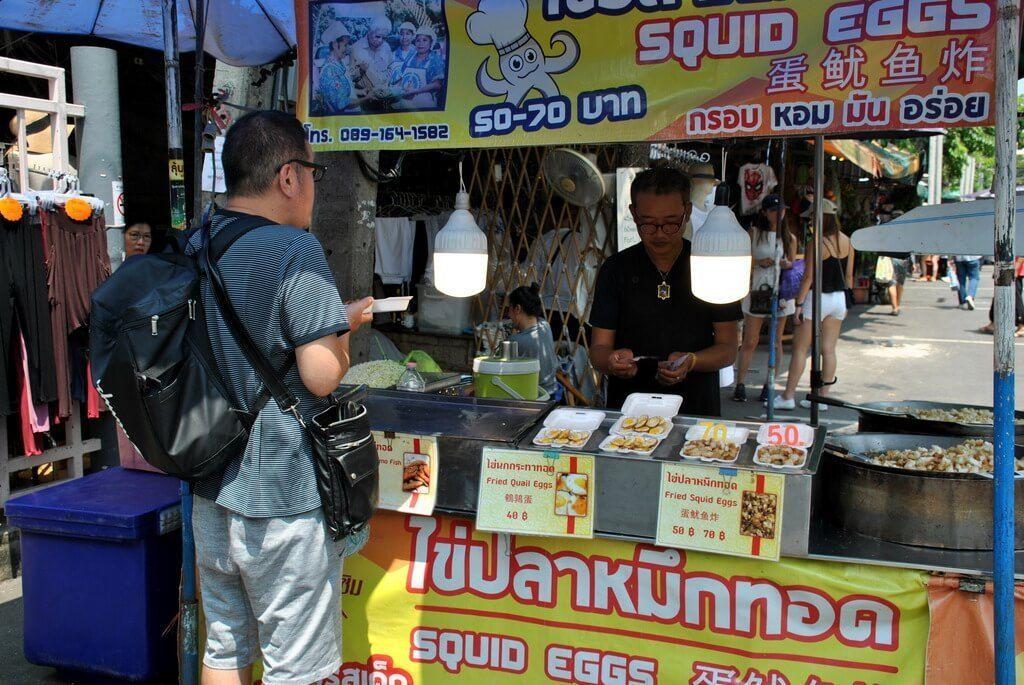 Puesto de comida dentro del mercado