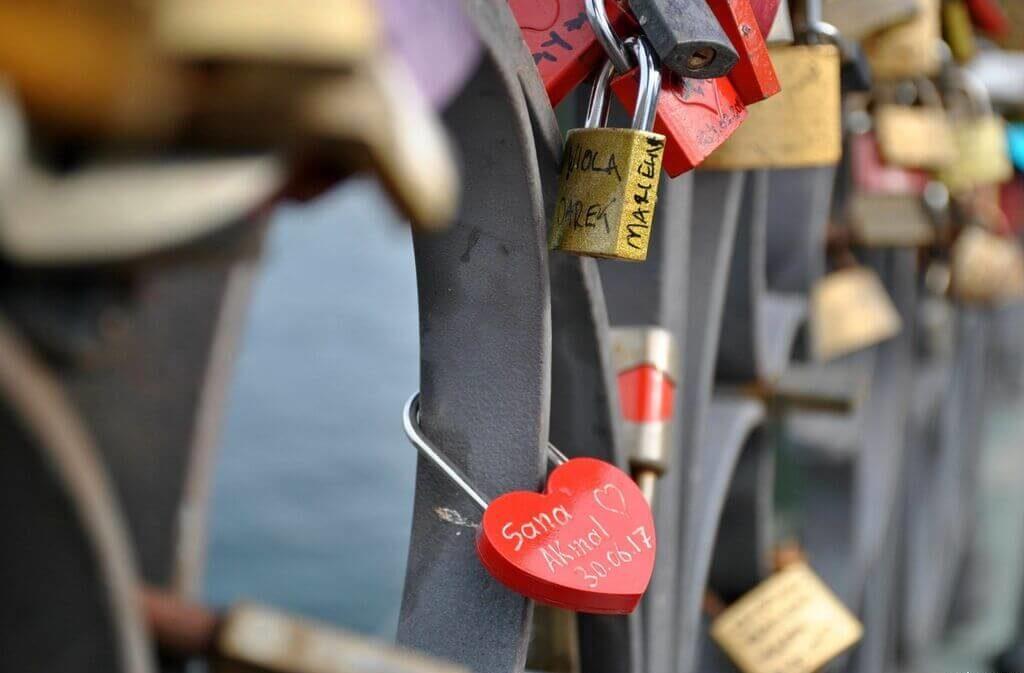 Candados en el puente Eiserner