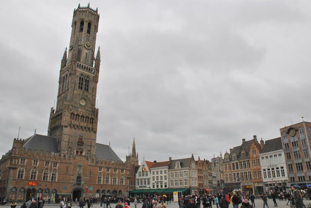Hallen y Torre Belfort Brujas