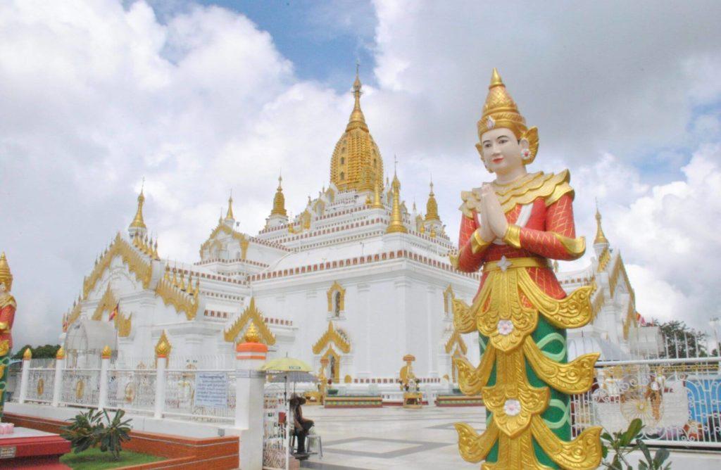 Panorámica general de la Sulamani Pagoda de Taunggyi