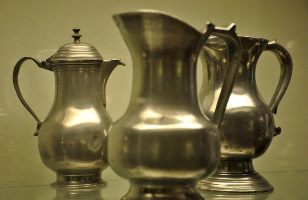 Exposición objetos segunda planta