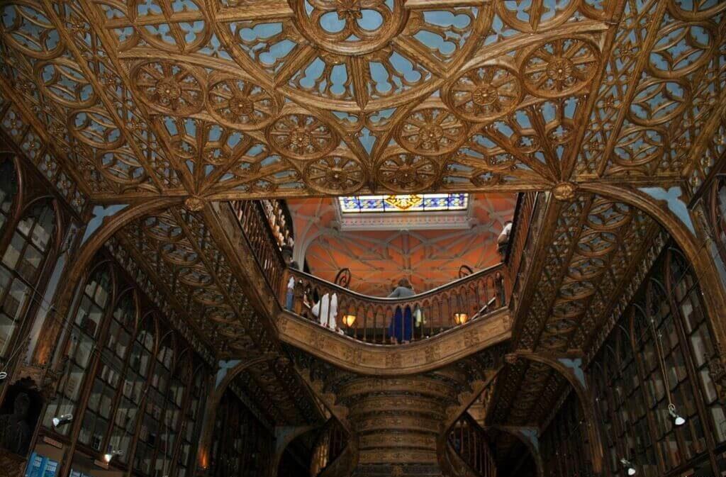 techo librería Lello & Irmao