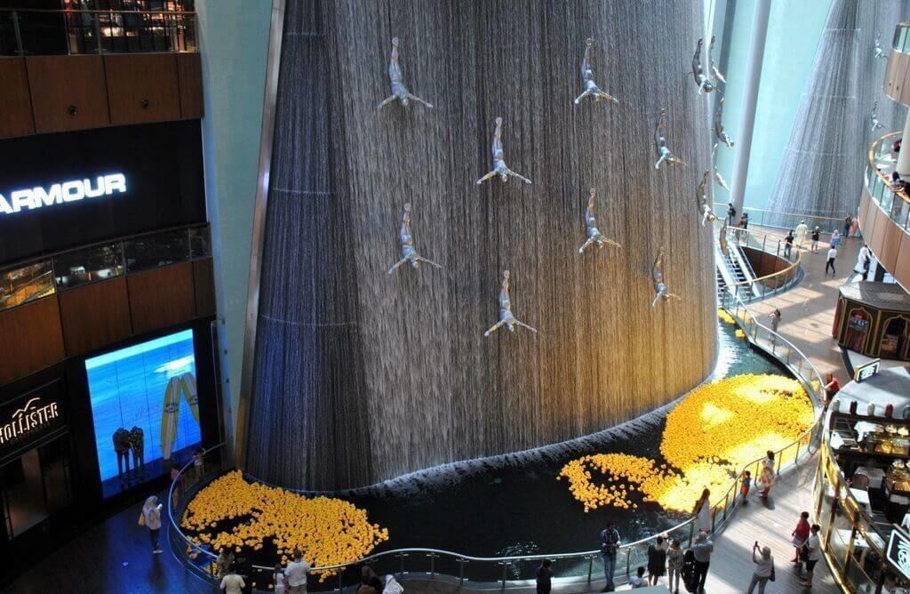 Fuente original en la planta inferior del Dubai Mall