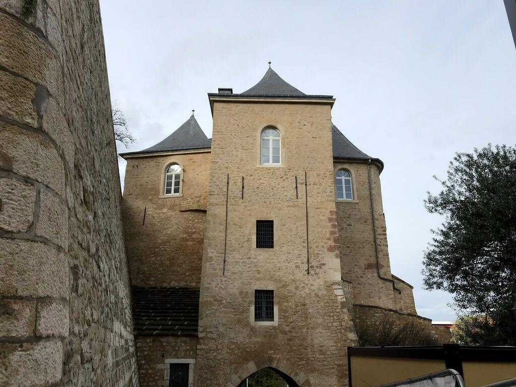 Puerta de las Tres Torres