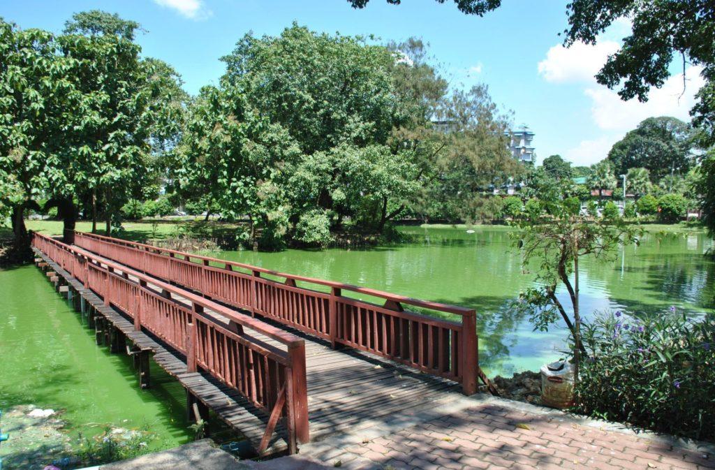 Paseando por el Lago Kankawgyi
