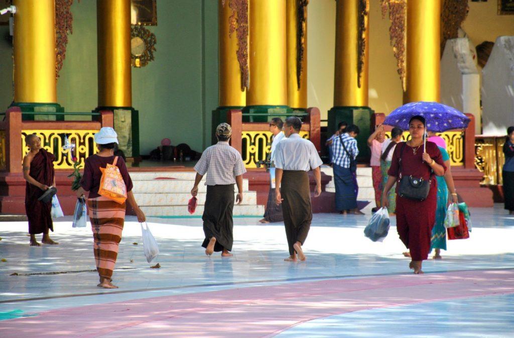 Visitando la Shwedagon Pagoda