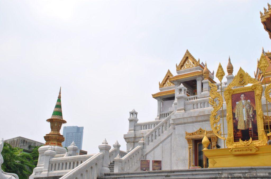 Segundo piso del Wat Traimit