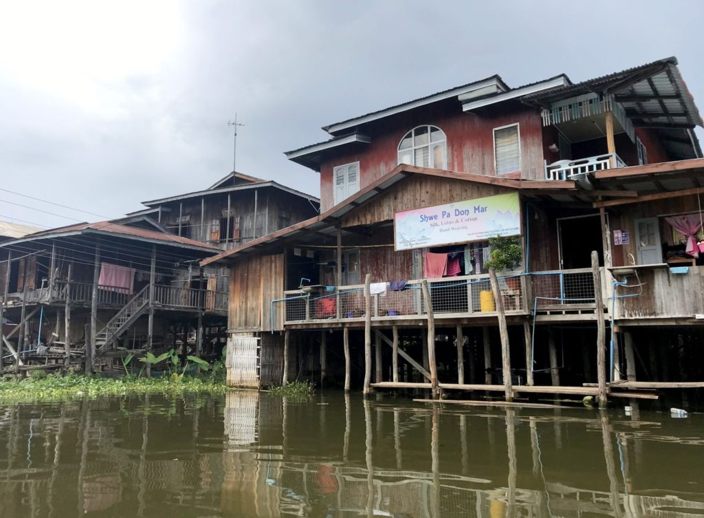 Casas de In Phaw Khone