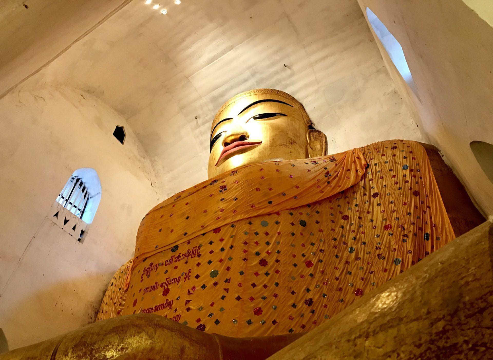 templos de bagan manuha pagoda