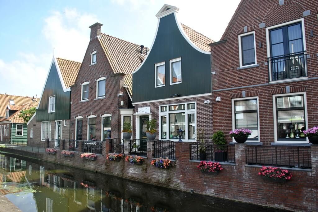 Canales de Volendam