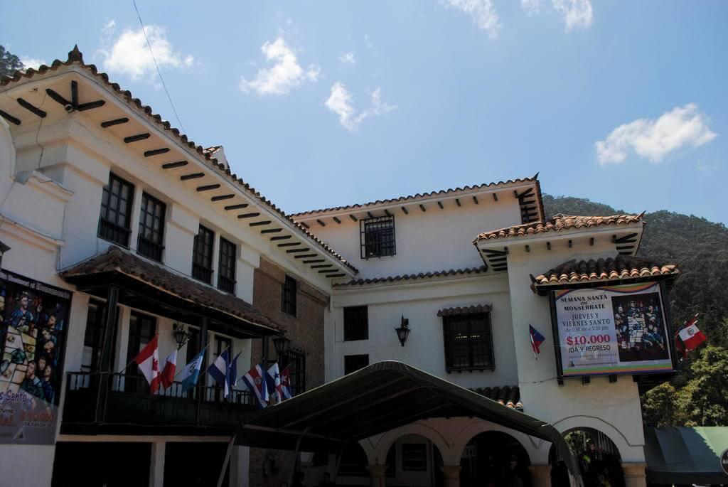 Edificio de acceso al Cerro de Monserrate