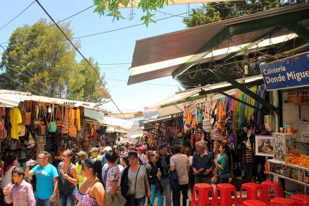 Mercado gastronómico de Monserrate