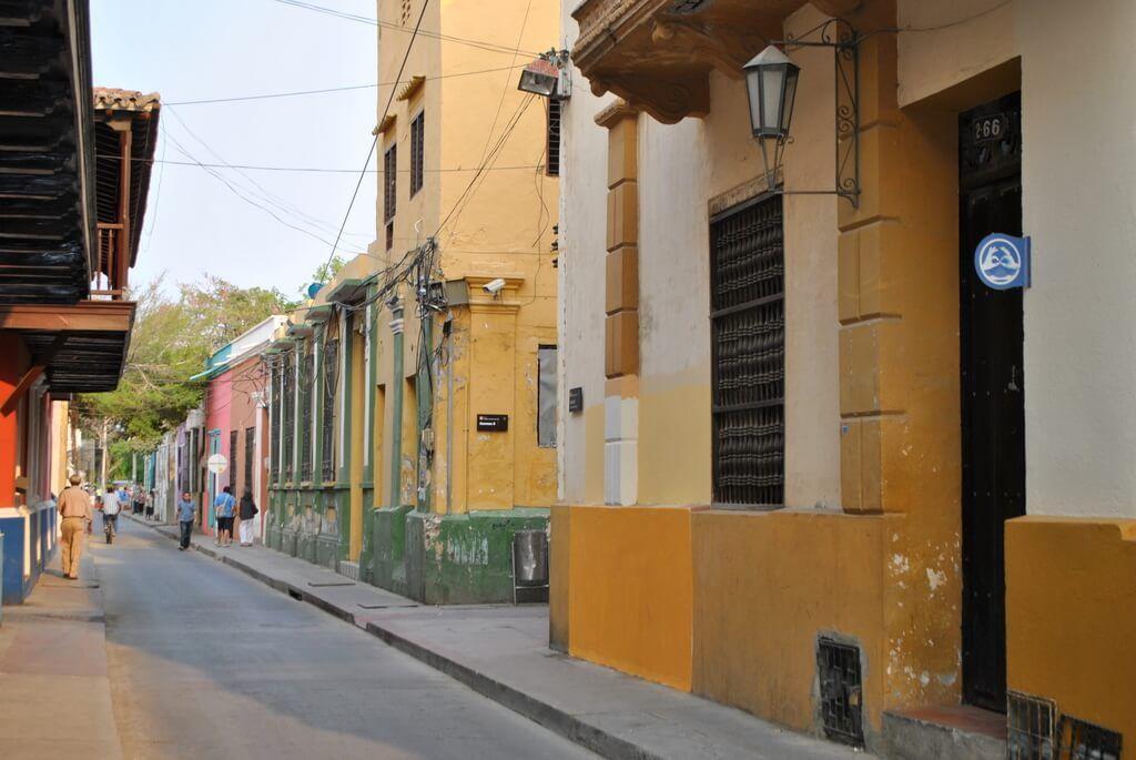 Coloridas calles en Santa Marta