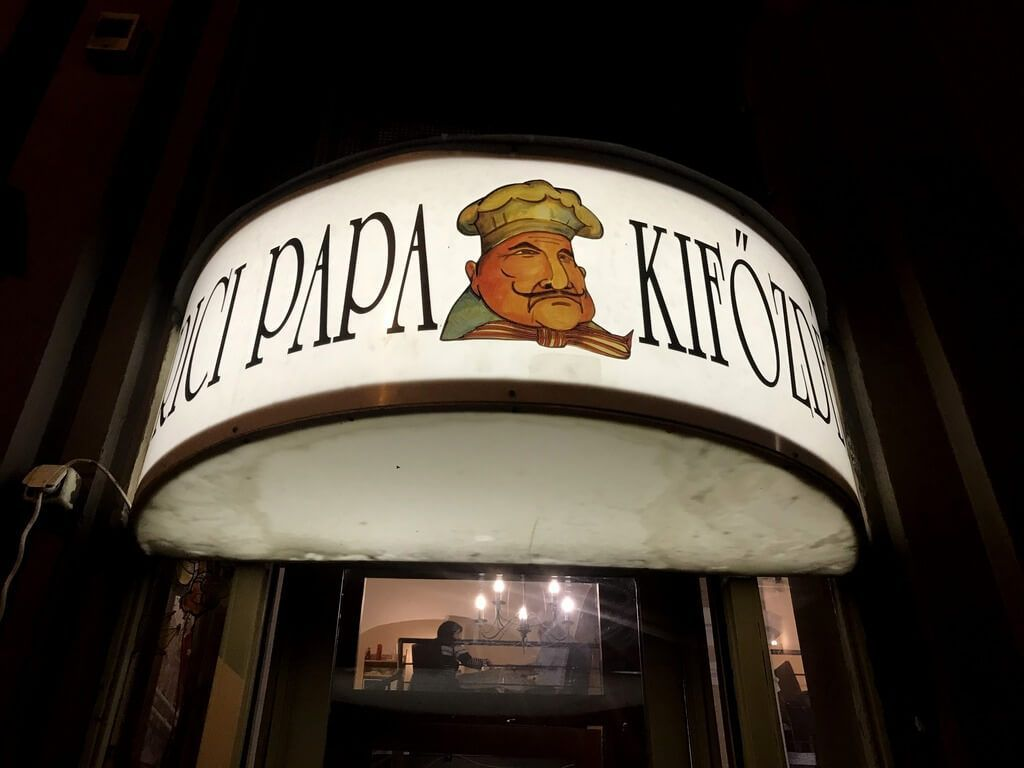 dónde comer comida húngara en budapest