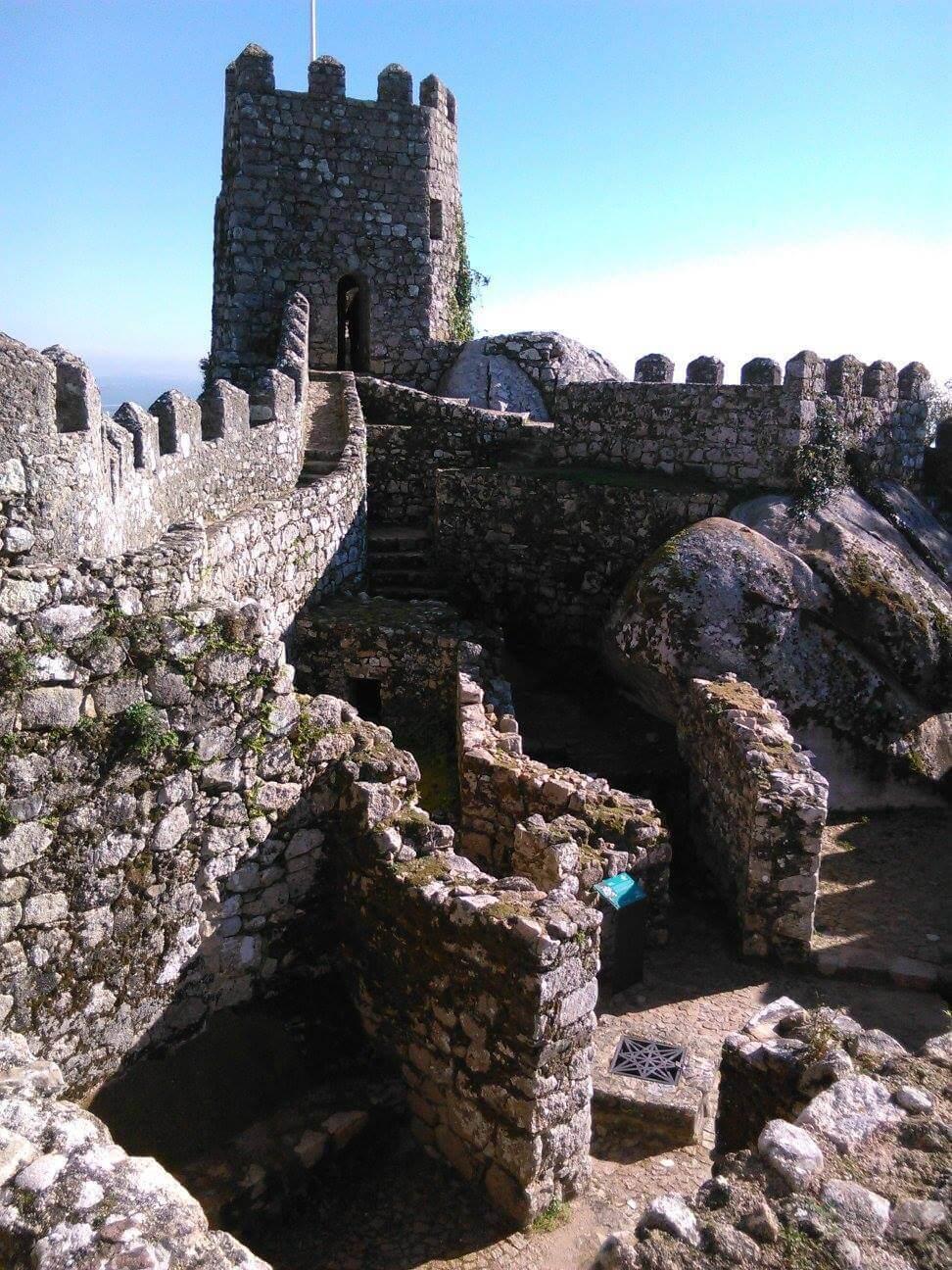 Recorriendo el interior del castillo