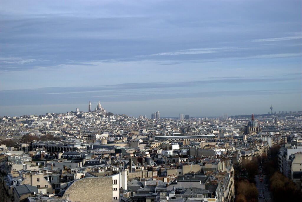 Al fondo el barrio de Montmartre. Vistas desde el Arco del Triunfo