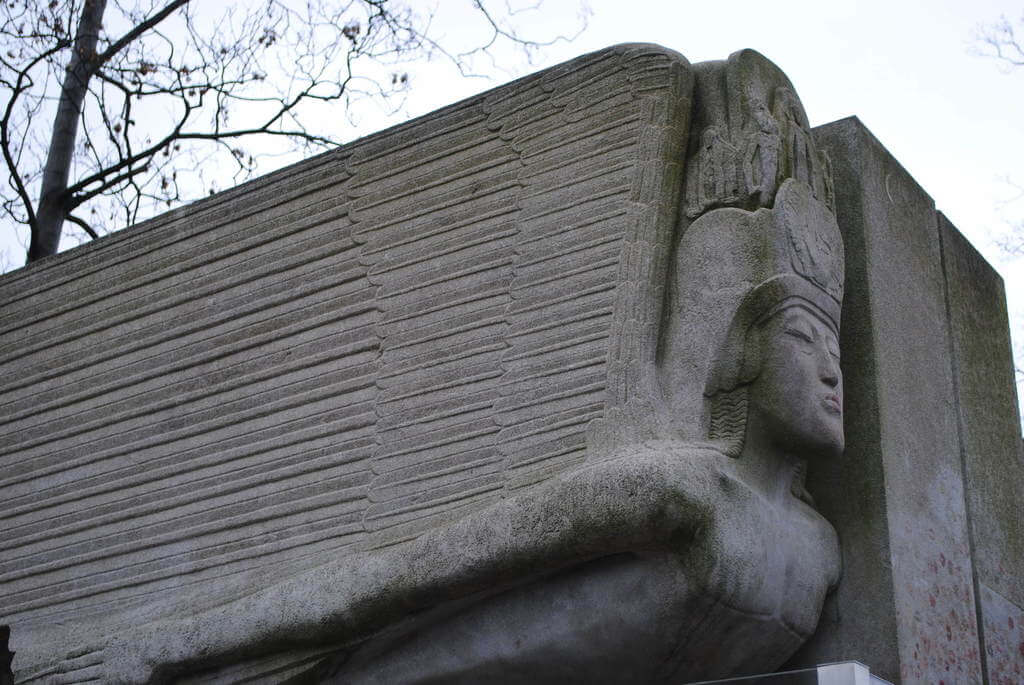 tumaba de Oscar Wilde, cementerio Père Lachaise