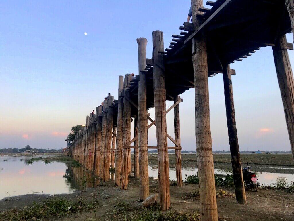 Atardecer en U bein Bridge