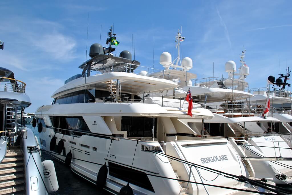 Embarcaciones de lujo en el puerto de Mónaco