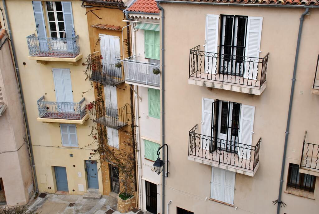 Calle del barrio de Le Suquet